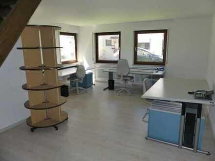 Esslingen-Serach: Renoviertes Büro