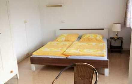 super flexibel mietbar: möblierte 2-Zimmerwohnung mit TV, Balkon. Online buchbar. Löffelfertig