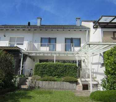 Toll ausgestattetes Wohnhaus zur Miete in Mörsch! Inkl. Garten und Garage!