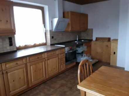 Ansprechende 2-Zimmer-Wohnung mit Balkon und Wintergarten sowie Einbauküche in Hög