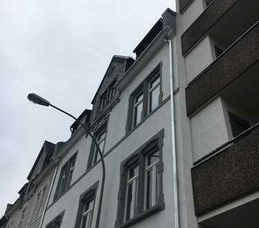 4-Zimmer-Wohnung mit Balkon in Frankfurt-Eschersheim