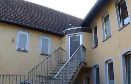 Wöllstein, geräumige Wohnung 2,5ZKB in zentraler Wohnlage, zu Fuß einkaufen!