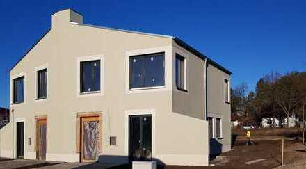 Wohnen am See - 5 Zimmer - 138 qm - Doppelhaus mit Garten und Terrasse am Krüpelsee Zernsdorf