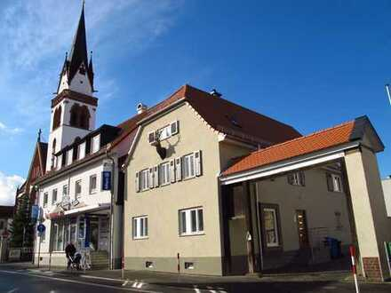 Sonnige Maisonettewohnung im historischen Hirschkopfhaus