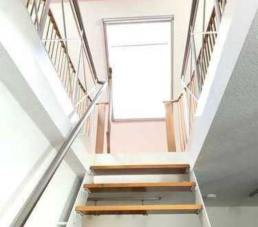 ***Sommerhausen*** schöne 3-Zi.-Wohnung mit Einbauküche und 2 Balkonen!
