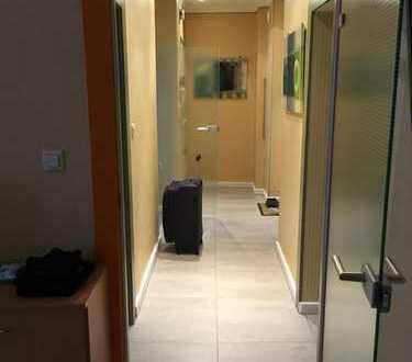 Möbliertes Zimmer auf Zeit in 2-er WG