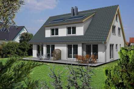 Sehr ruhig gelegene Doppelhaushälfte in Toitenwinkel-Dorf