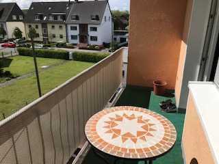 2017 vollständig renovierte preiswerte 5-Zimmer-Wohnung mit Balkon und Einbauküche in Bottrop Boy