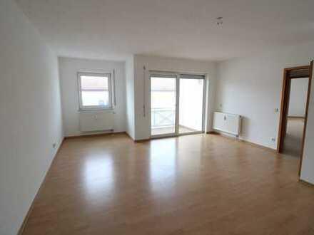 Zentrumsnah - 2 Zimmer, Einbauküche und Balkon