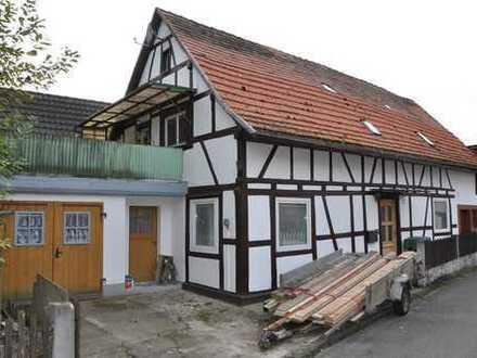 Teilsaniertes Wohnhaus mit Ausbaupotential