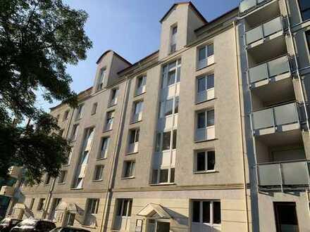 2-Zimmer-Wohnung mit EBK und Balkon
