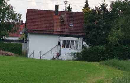 ZWANGSVERSTEIGERUNG - Baugrundstück mit Altbestand in Weilheim!