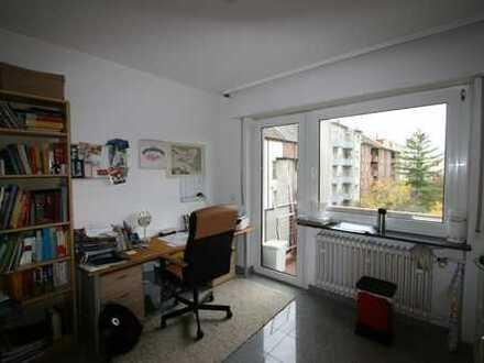 Große möblierte 1 Zimmer Wohnung mit Südbalkon in Mannheim-Rheinau