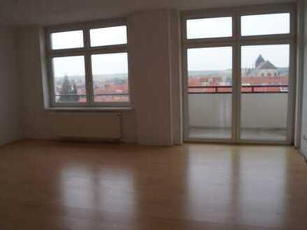 Dingelstädt: Helle Wohnung in gepflegtem Mehrfamilienhaus!