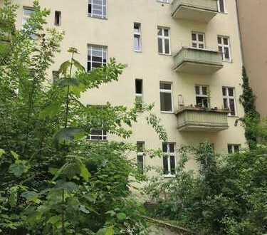 3.OG Altbauwohnung 2 Zimmer im Gartenhaus