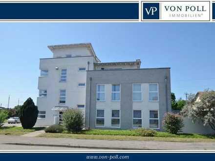 Verkehrsgünstig gelegene Büro-/Paxisfläche im Erdgeschoss eines modernen Wohn- und Geschäftshauses