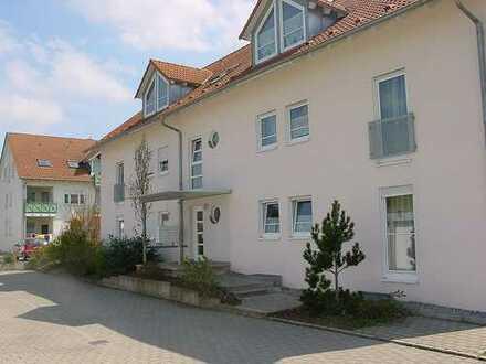 Schöne 3 Zi. EG-Whg. m. Terrasse und sep. WC