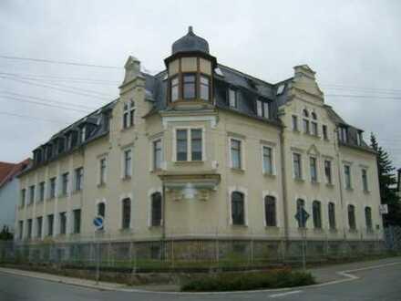 Schöne komplett neu sanierte Vier-Raum Wohnung in Oberlungwitz zu vermieten!