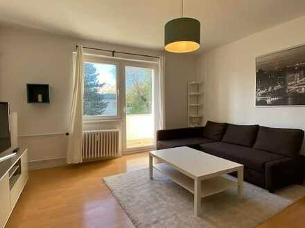 SOFORT FREI mit West-BALKON - helle, gut-geschnittene 2-Zimmer-Wohnung in Marienfelde