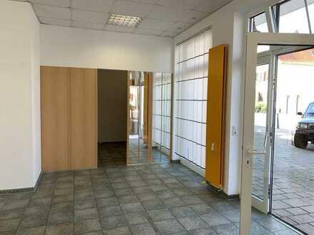 # In Zentrumslage: Sehr attraktive Gewerbefläche, ideal für Verkauf, Büro, Praxis