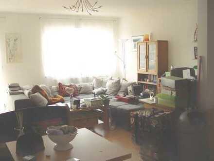Neuwertige 2-Zimmer-Wohnung mit EBK,Balkon, PKW Stellplatz Friedberg West