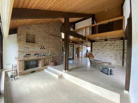 Modernisiertes, lichtdurchflutetes Einfamilienhaus mit acht Zimmern und EBK in Weil im Schönbuch