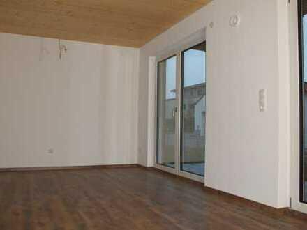 Freundliche 2-Zimmer-Wohnung OG mit Balkon