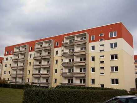 Holzhausen: 3 Zimmer für 'nen schmalen Taler in ruhiger Lage, Laminat, Badewanne!
