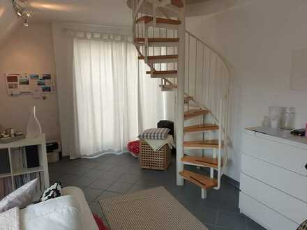 Geschmackvolle Studio-Dachspitz-Wohnung mit Einbauküche und PKW-Stellplatz in Heidelberg-Rohrbach