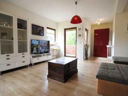Stilvolle, sanierte 3-Zimmer Wohnung mit Balkon & Küche auf dem Privall Möbiliert Wohnen auf Zeit