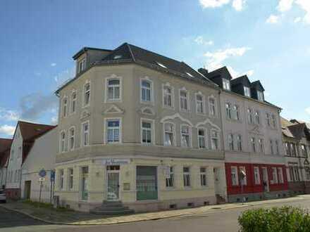 Gelegenheit! Top Wohn- und Geschäftshaus in Burg bietet interessante Perspektiven.