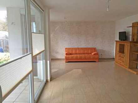 Attraktive 4-Zimmer-EG-Wohnung mit Terrasse in Neustadt an der Weinstraße