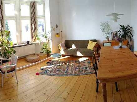 MH-Mitte! Für Altbau-Liebhaber! Sonnige 3 Zimmer Wohnung mit Wohnküche und Balkon!