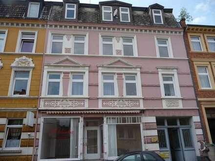 Innenstadtnähe, auf 2 Etagen mit Innenhof und Balkon