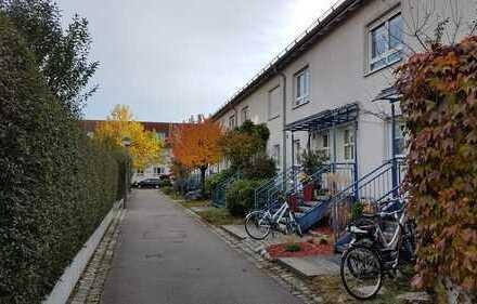 ***Bieterverfahren*** Ideal für Familie, tolles Reihenmittelhaus in München, Moosach