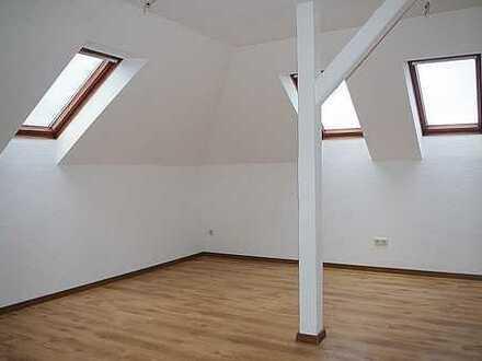 + Dachgeschoss- Wohnung + (DG/l.7)
