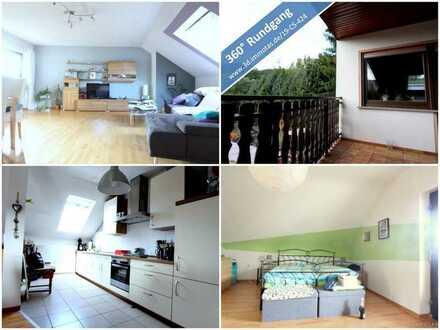 Geräumige Zwei-Zimmer-Wohnung mit zusätzlichem Wohnraum im Spitzboden - Balkon und Garage