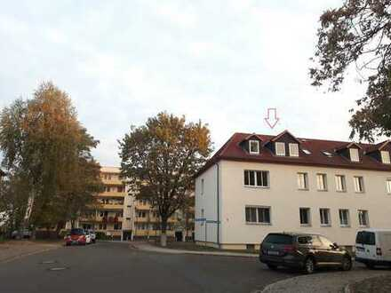 Erstbezug nach Sanierung: hochwertige 2-Zimmer-Dachgeschosswohnung in Böhlen