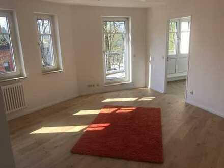 Bild_Schöne Zwei -Zimmer Wohnung im grünen Berlin Hermsdorf