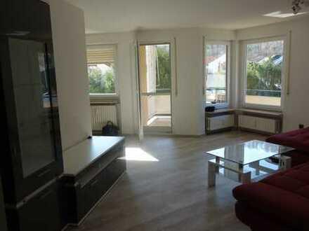Modernisierte neu möblierte 3,5 Zimmerwohnung mit Einbauküche, Balkon, Aufzug und Hausmeiserservice