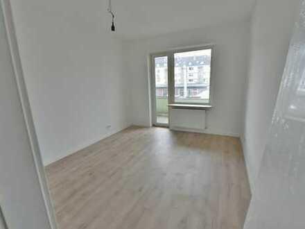 ERSTBEZUG nach Sanierung 4-Zimmer Wohnung Nähe Hochschule, WG-geeignet