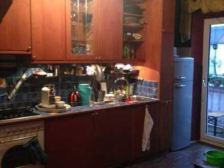 Kuscheliges Altbau Erkerzimmer mit Schwedenofen in der Au
