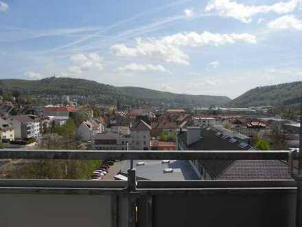 Neuwertige 1,5-Zimmer-Wohnung mit Balkon und EBK in Albstadt