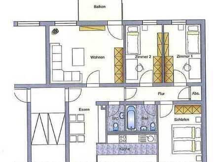 Helle und geräumige 4 Zi. Wohnung mit Balkon
