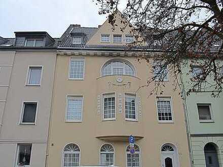 Aussergewöhnliche 2-Zimmerwohnung auf 78,18 m² mit kleinem Stehbalkon!!