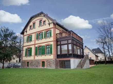 Villa Bösenberg + Parkett + Kamin + großer Wintergarten + Terrasse + Fußbodenheizung + Stellplatz