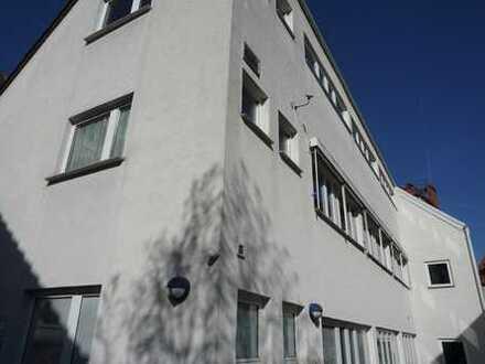Vielseitig nutzbares Wohn- u. Geschäftshaus + ca. 300 qm Lagerfläche in Top-Lage von Stuttgart-Süd