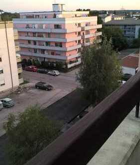 Stilvolle, gepflegte 2-Zimmer-Wohnung mit Balkon in Olching/Neuesting