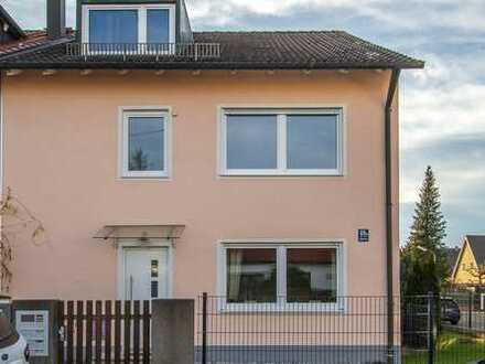 Stilvolle, modernisierte 3-Zimmer-Wohnung mit Balkon in Trudering, München