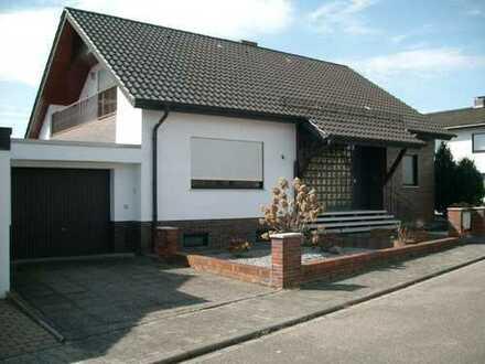 Gepflegte 5-Zimmer-EG-Wohnung mit Balkon in Bobenheim-Roxheim
